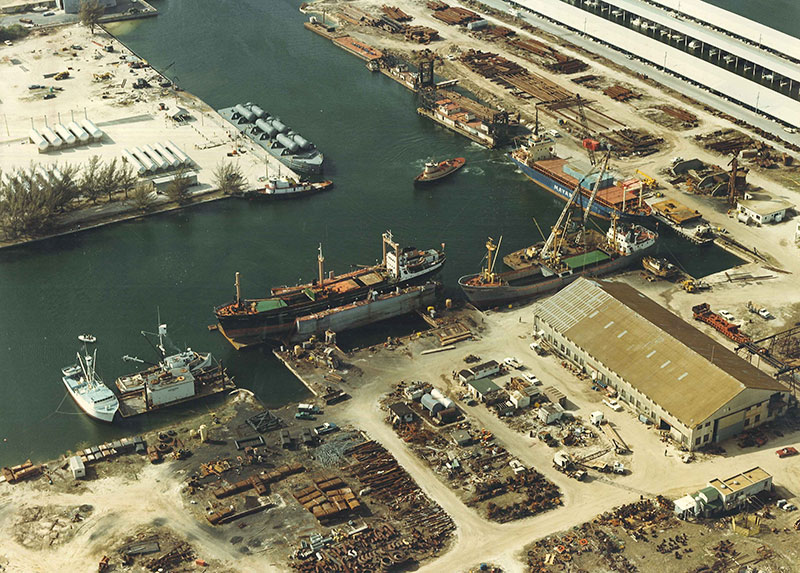 Shipyard Operation at  Hendry Corporation 1981